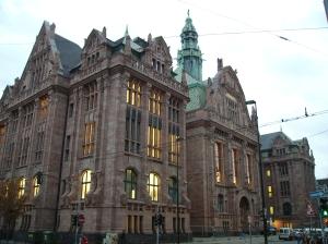 El Stahlhof, edificio de principios del siglo XX utilizado por el gobierno
